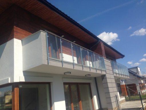Balustrada balkonowa szklana