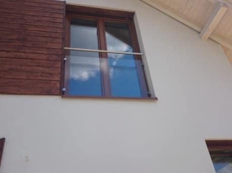 Balustrada szklana okienna